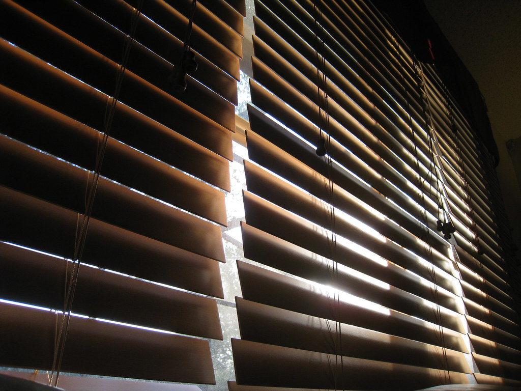 Breng meer sfeer in huis met houten jaloezieën