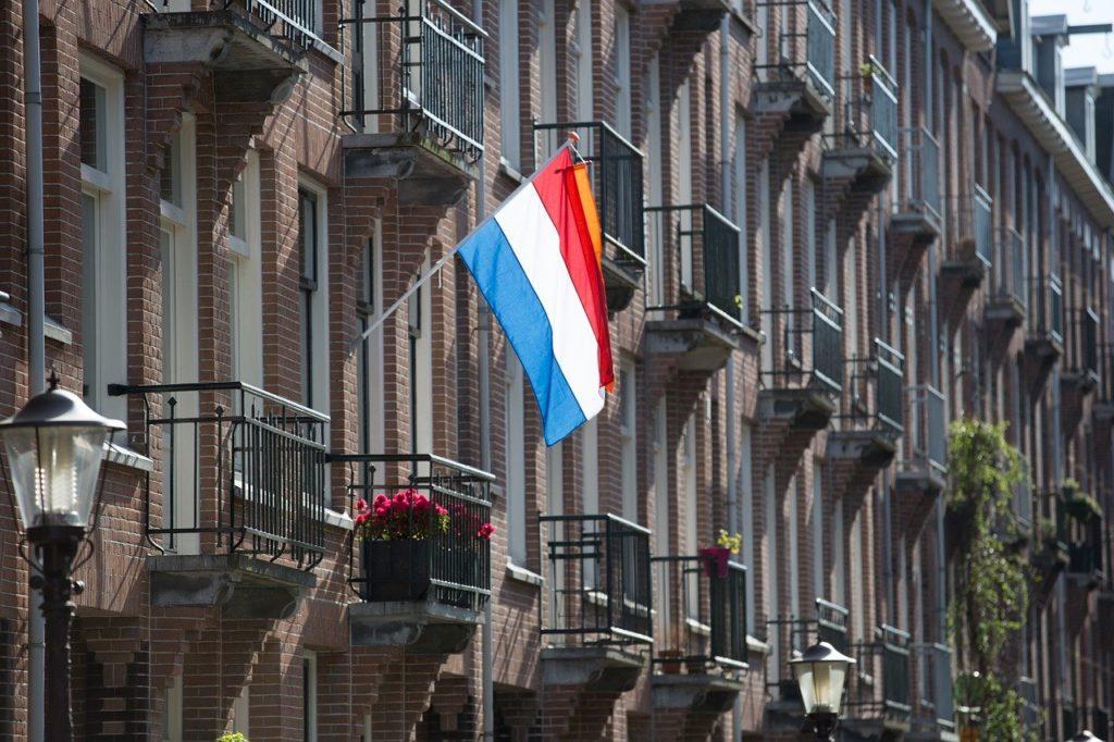 Wanneer mag de vlag officieel uit in Nederland