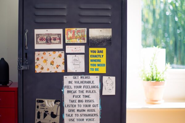 De voordelen van een industriële wandkast bij jou thuis